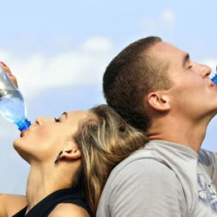 Скільки пити води під час і після тренування